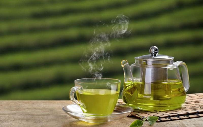 Uống thuốc với trà