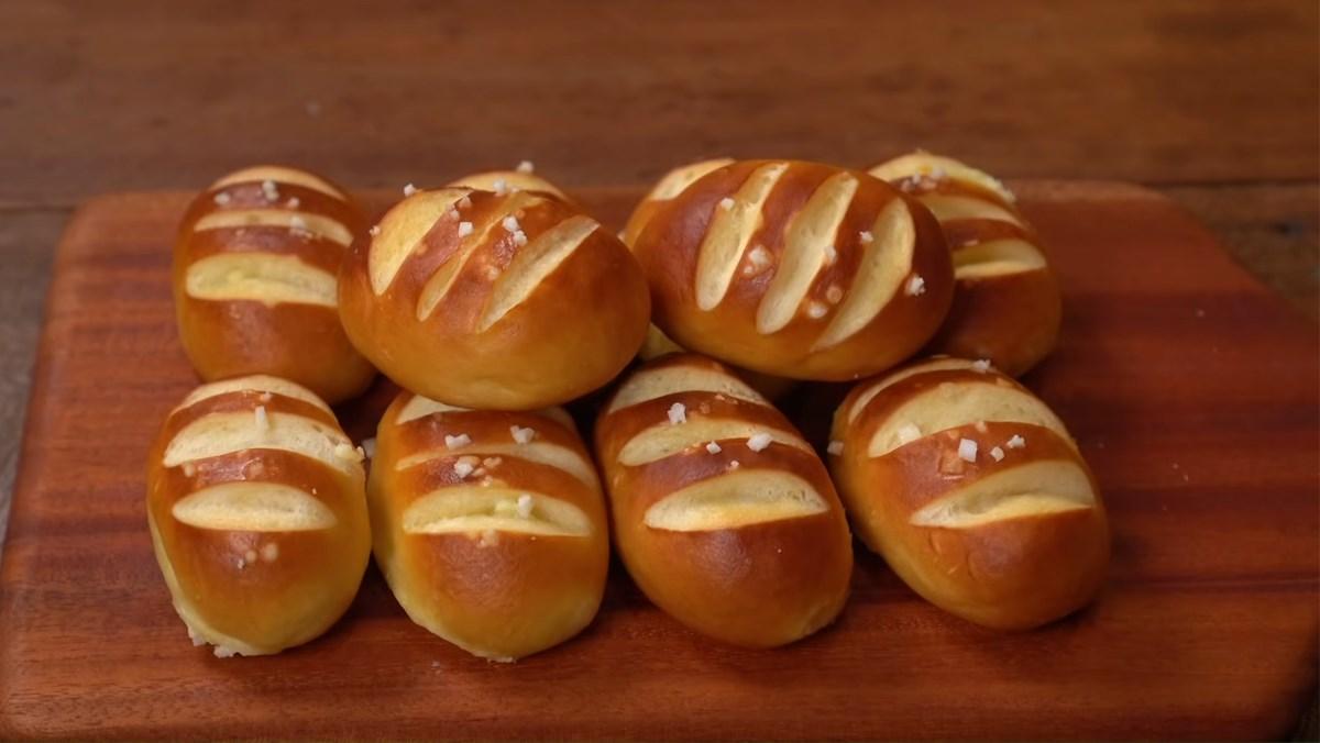 Bánh mì mini nhân phô mai