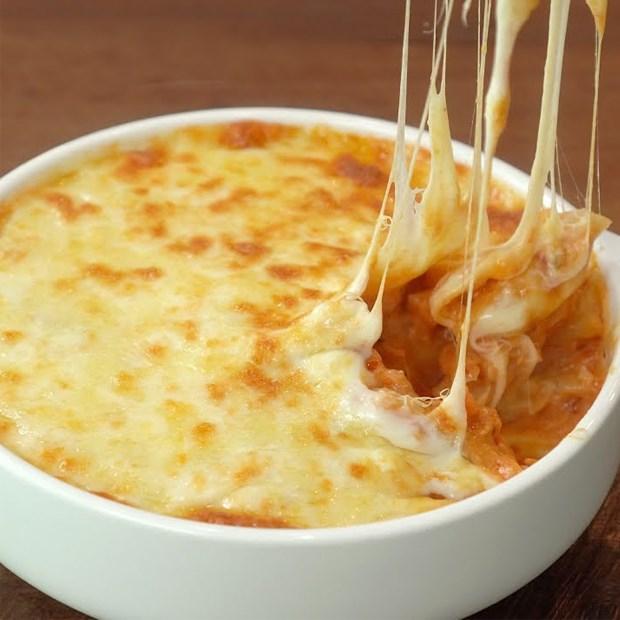 Pasta gà cà chua phô mai
