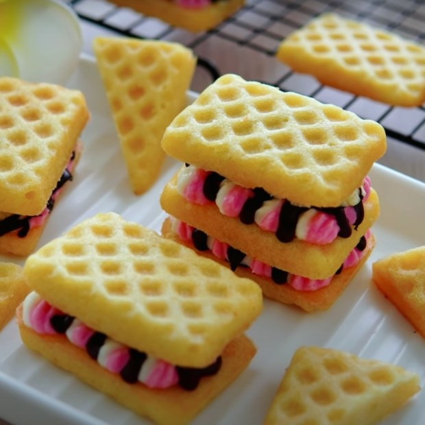 Bánh waffle phô mai