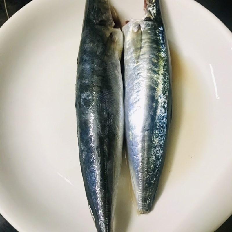 Bước 1 Sơ chế nguyên liệu Canh măng chua cá nục