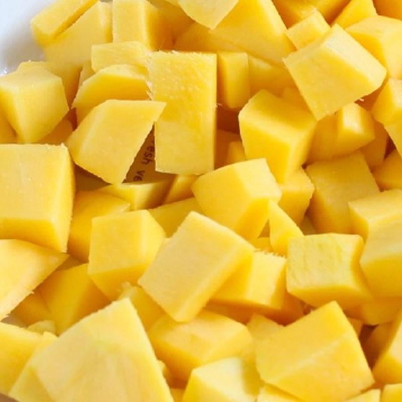 Bước 1 Sơ chế nguyên liệu Sinh tố xoài sữa chua