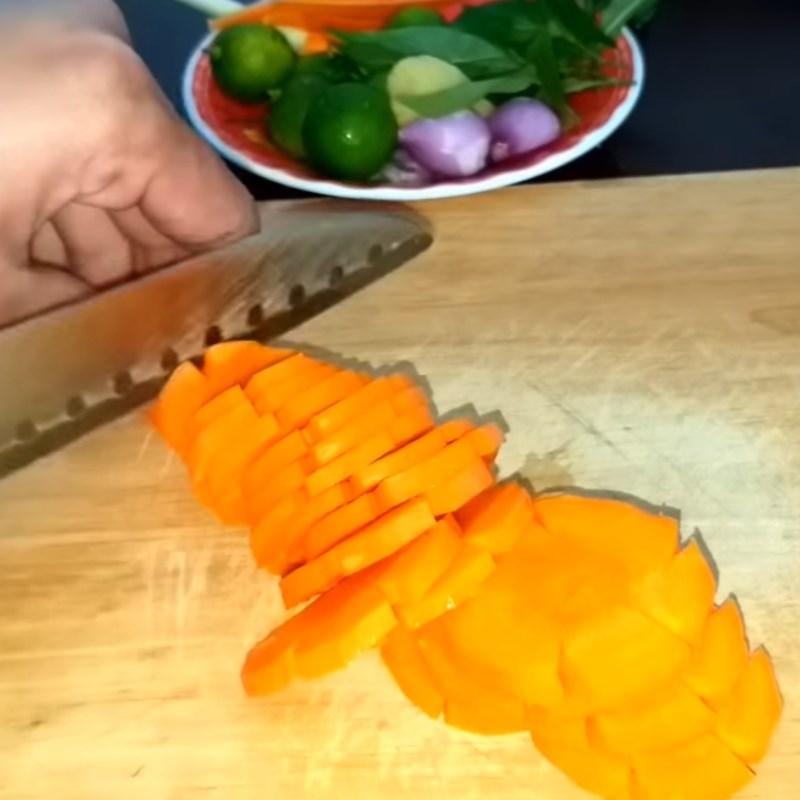 Bước 1 Sơ chế rau củ quả Gỏi cóc cà rốt tai heo