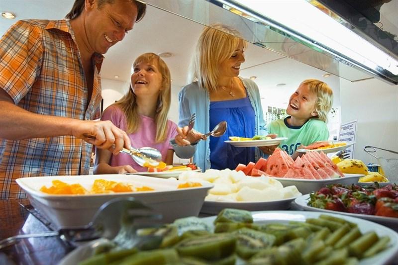 ăn buffet cùng gia đình