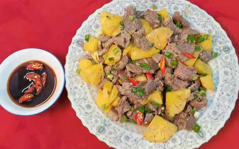 Thịt bò xào dứa (thơm)