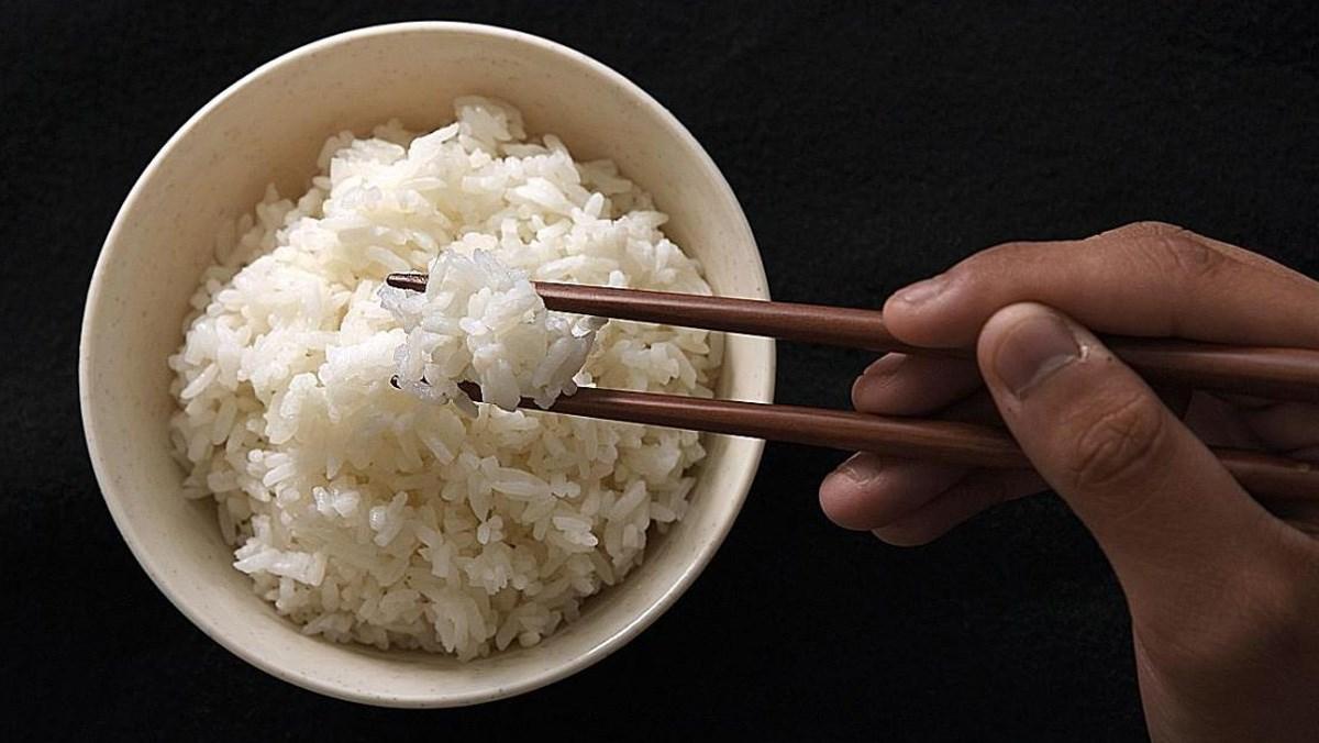1 chén cơm bao nhiêu calo, ăn mập không, chọn gạo nào?