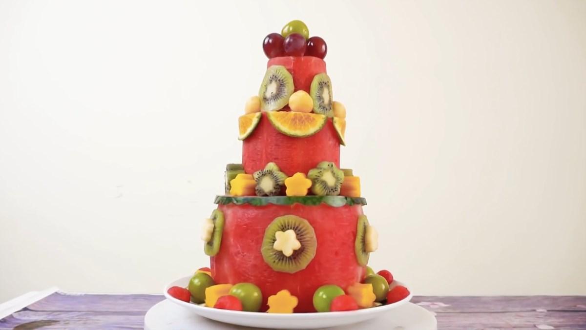 Bánh sinh nhật bằng dưa hấu