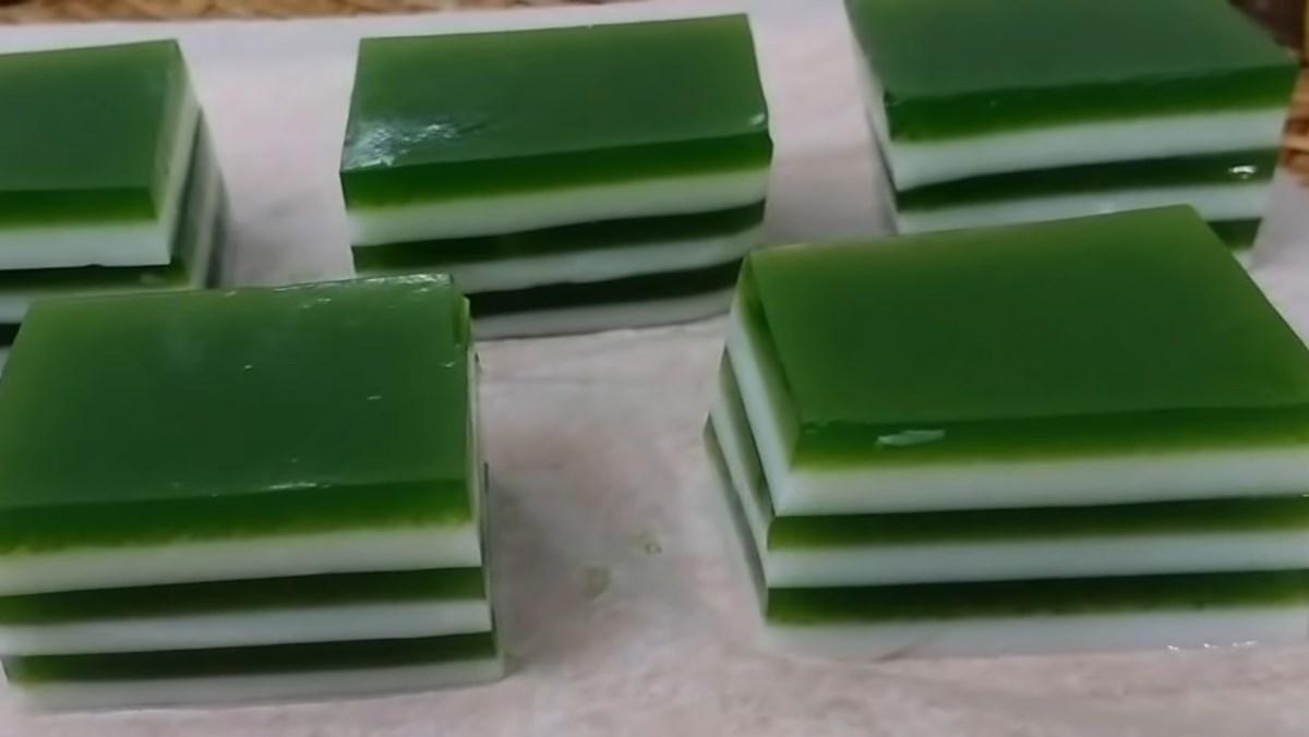 2 cách làm rau câu lá dứa sữa tươi và sữa đậu nành