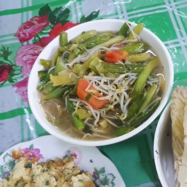 Cá tai tượng nấu canh chua