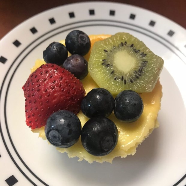 Cheesecake sữa chua trái cây nướng phiên bản mini