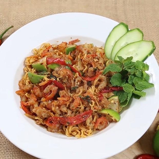 mì trộn cay chua Thái Lan