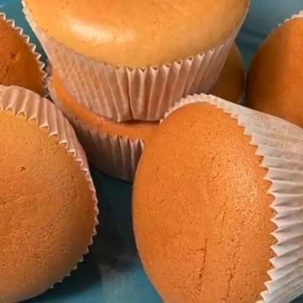 Bánh cupcake bông lan sữa đặc