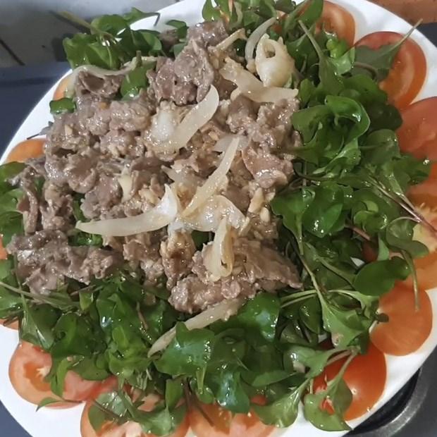 Xà lách xoong Nhật trộn thịt bò và tai heo