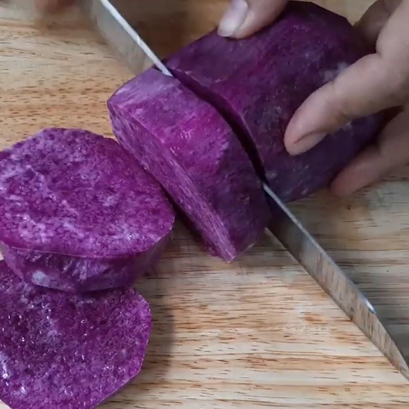 Bước 1 Sơ chế khoai mỡ (khoai tím) Chè khoai mỡ (khoai tím) nước cốt dừa