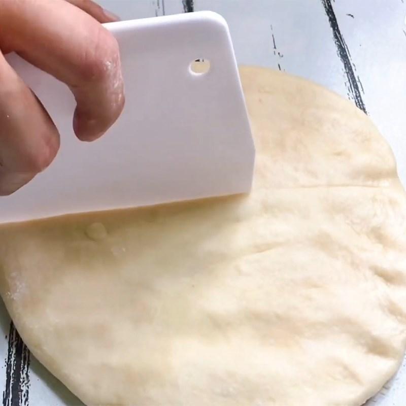 Bước 3 Chia bột và ủ bột lần 2 Bánh mì nhân socola chảy