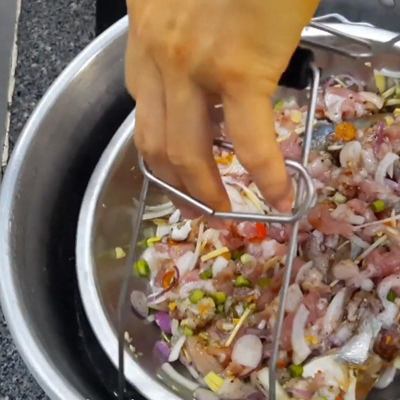 Bước 4 Chưng khô Khô cá chét chưng thịt ba rọi