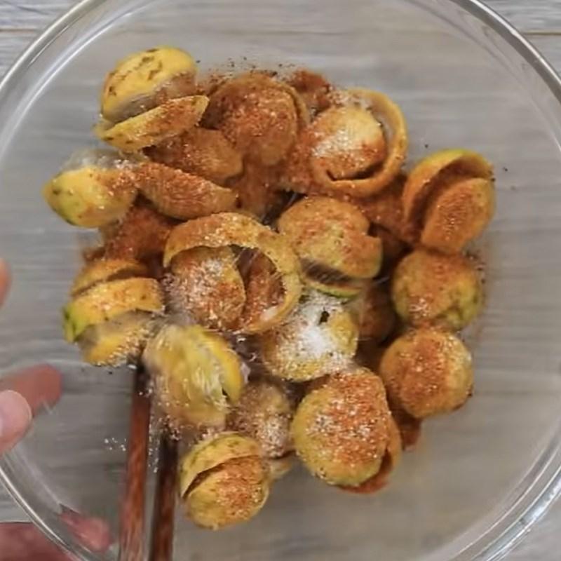 Bước 2 Dầm sấu với gia vị Sấu dầm đường ớt