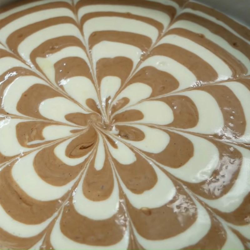 Bước 8 Đổ khuôn Bánh bông lan ngựa vằn phô mai Nhật Bản