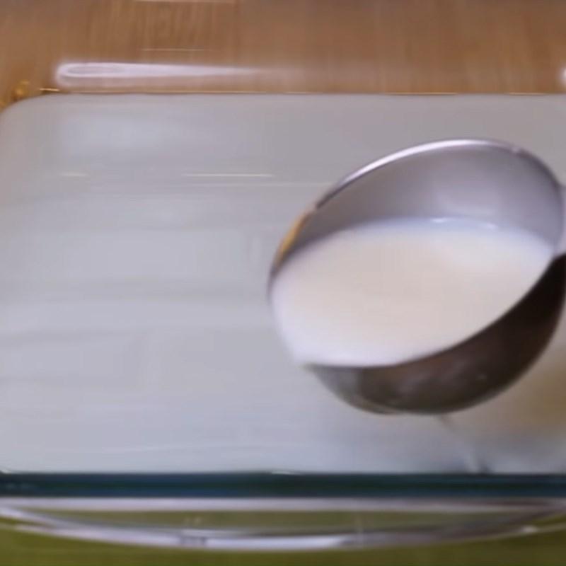 Bước 4 Đổ khuôn rau câu lá dứa sữa dừa Rau câu lá dứa sữa dừa
