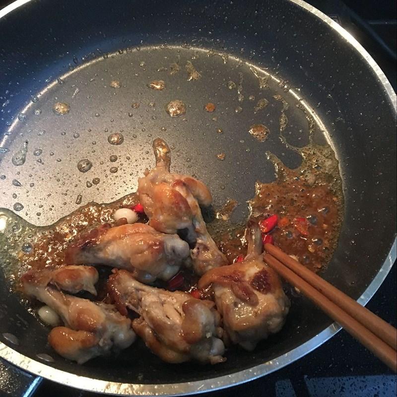 Cách làm gà chiên mắm tỏi ớt đậm đà cực hấp dẫn chiêu đãi gia đình