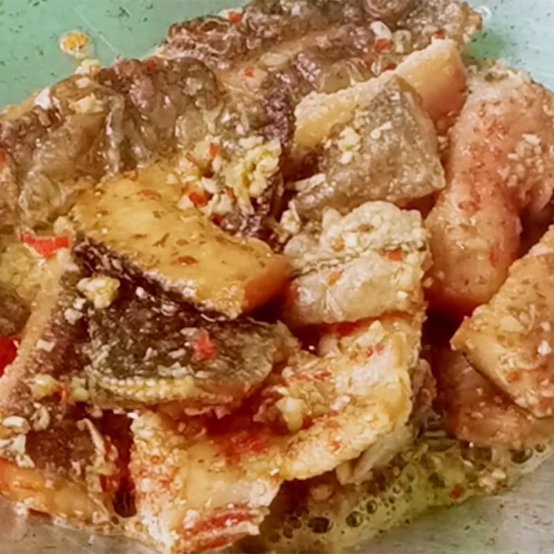 Bước 3 Làm khô cá lóc sốt bơ tỏi Khô cá lóc sốt bơ tỏi