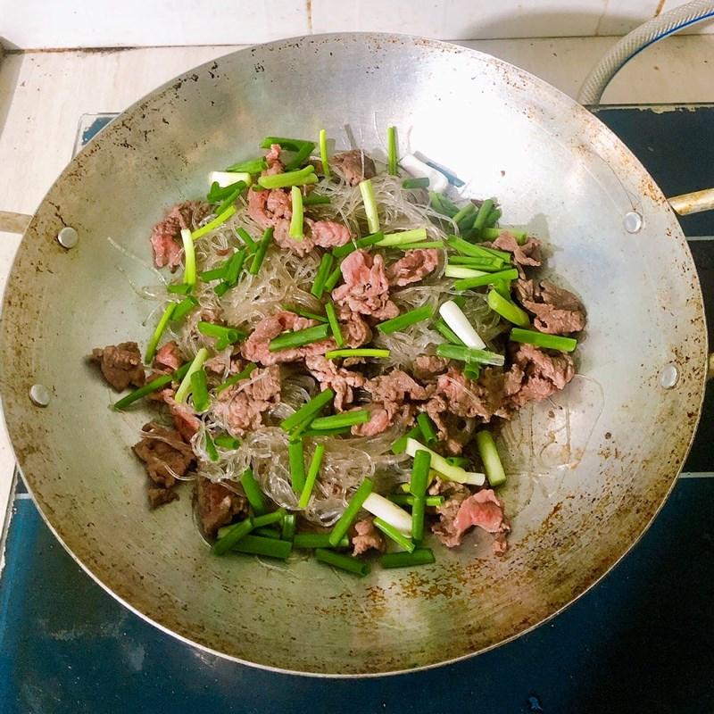 Bước 2 Làm miến xào thịt bò Miến xào thịt bò