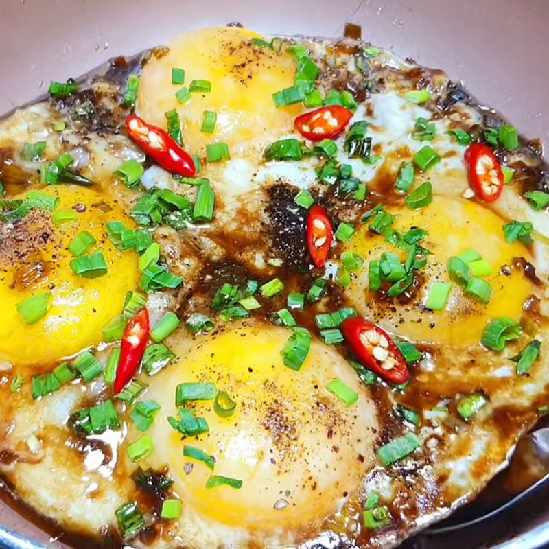 Bước 2 Làm sốt nước tương Trứng chiên trứng vịt