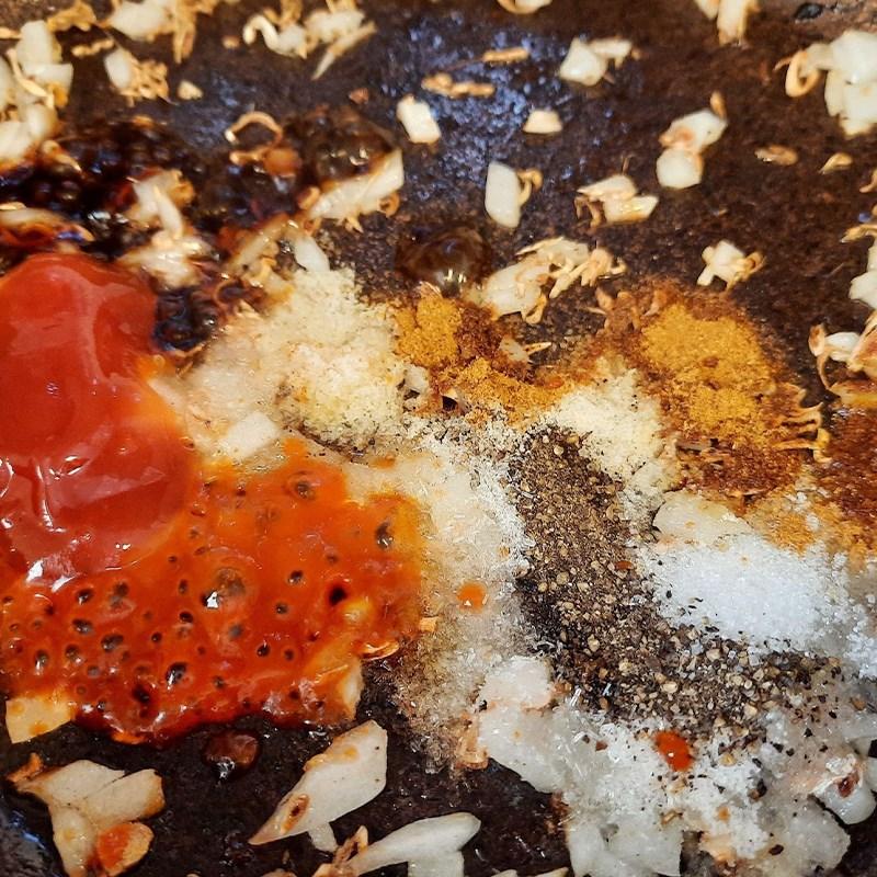 Bước 2 Làm sốt ướp thịt Gà nướng ngũ vị