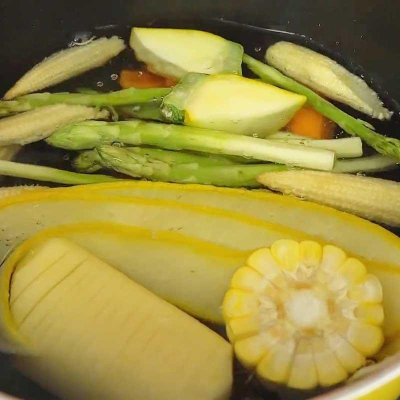 Bước 3 Luộc sơ rau củ, nướng khoai tây Cá hồi áp chảo sốt kem