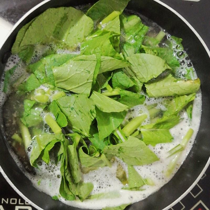 Bước 3 Nấu canh Canh cải ngọt nấu tôm tươi