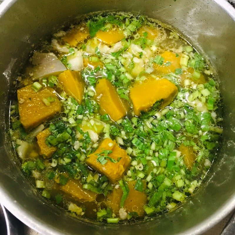 Bước 3 Nấu canh Canh bí đỏ thịt bằm