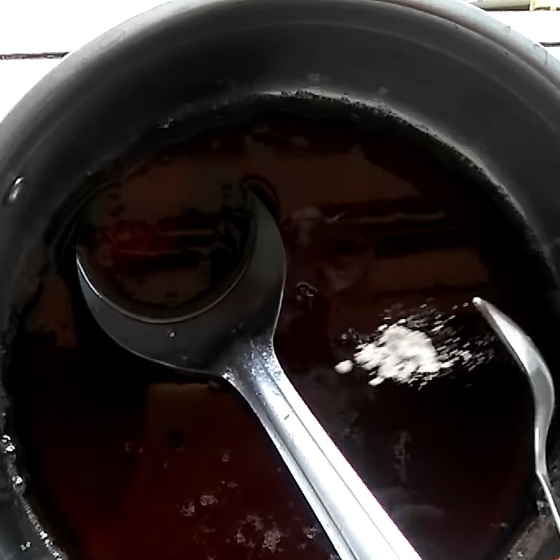 Bước 3 Nấu hỗn hợp nước cốt Siro hoa hồng