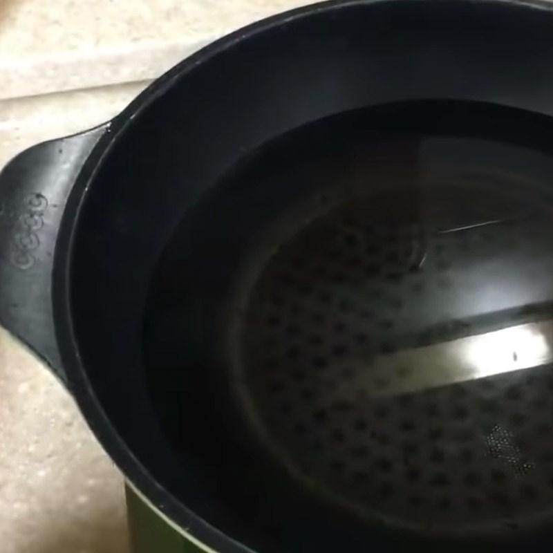 Bước 3 Nấu nước dùng Lẩu bò nấm