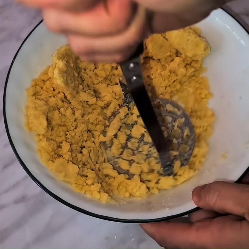 Bước 2 Nấu và tán nhuyễn đậu xanh, khoai tây Bánh quy nhân đậu xanh