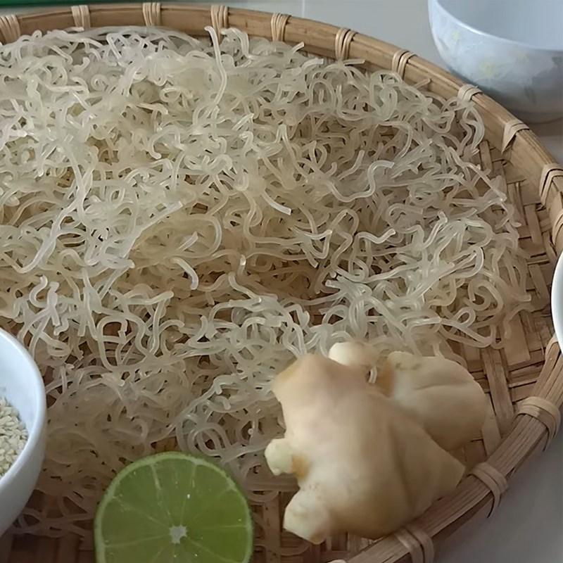 Bước 1 Ngâm và phơi khô bún Bánh cốm gạo từ bún giòn