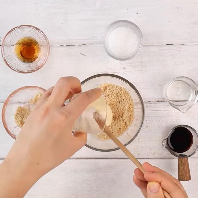 Bước 5 Pha sốt Bún gạo lứt trộn rau củ thanh cua