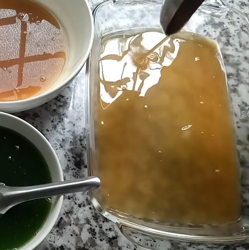 Bước 4 Đổ khuôn 3 lớp rau câu Rau câu lá dứa sữa dừa cà phê