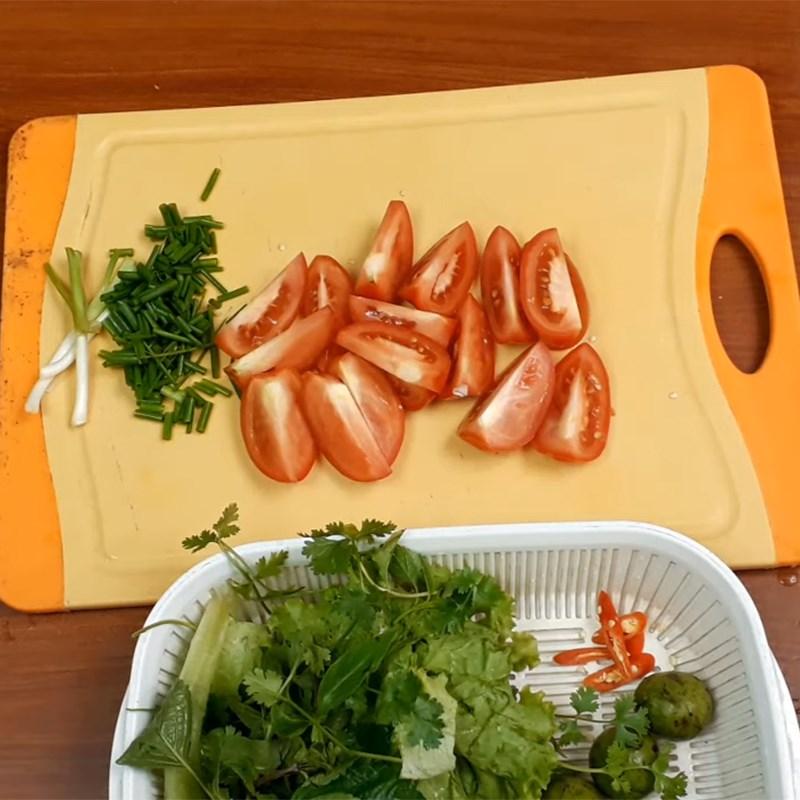Bước 2 Sơ chế các loại rau Bún sườn nấu sấu