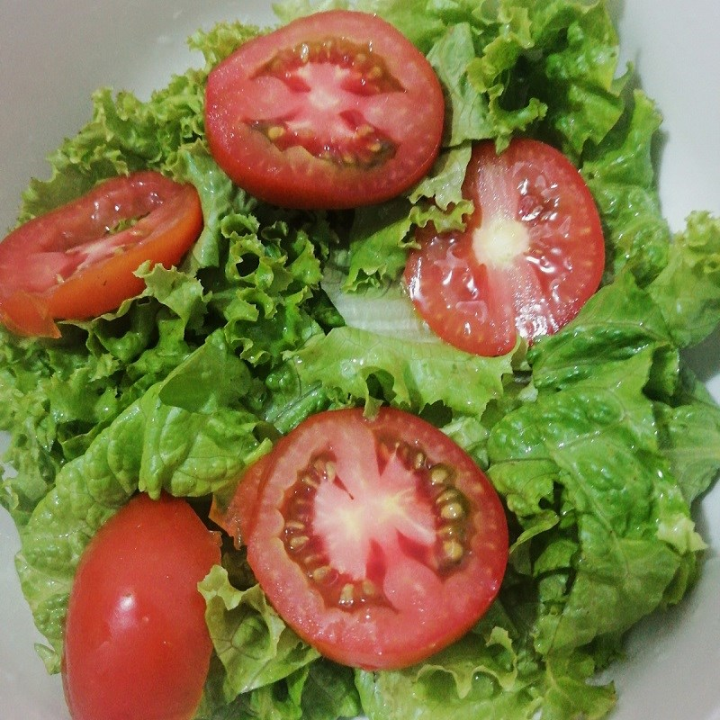 Bước 1 Sơ chế các nguyên liệu Salad rong nho thịt bò