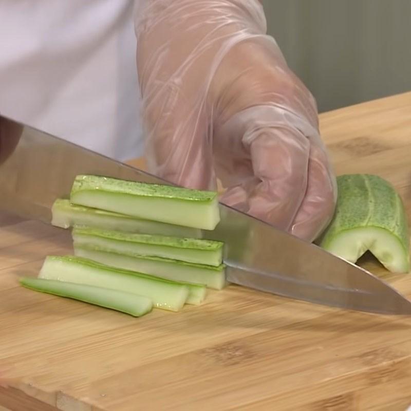 Bước 3 Sơ chế các nguyên liệu còn lại Gỏi lưỡi heo kiệu chua