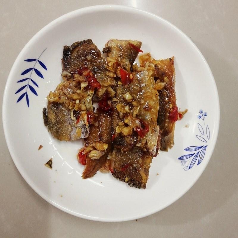 Bước 5 Thành phẩm Cá khô rim tỏi ớt