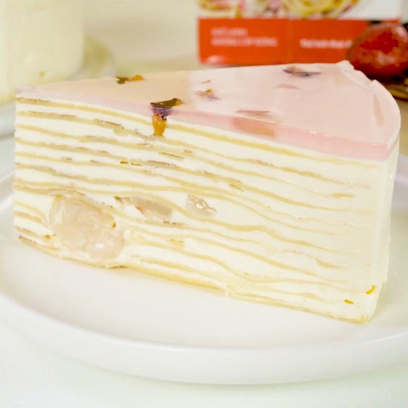 Bước 8 Thành phẩm Bánh crepe trái vải hoa hồng