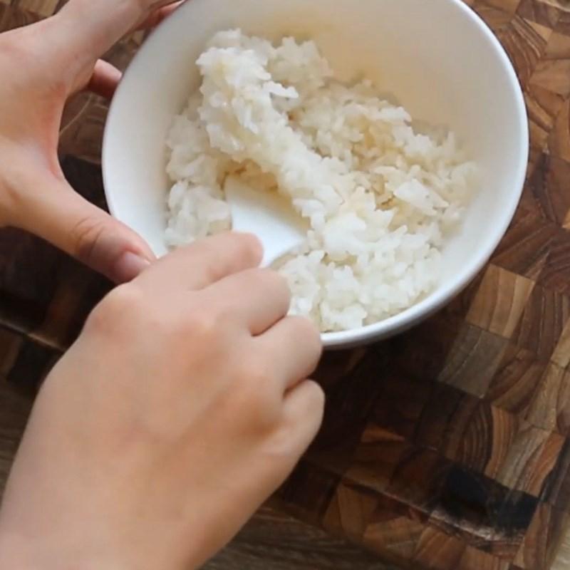Bước 1 Trộn màu cho cơm Cơm cuộn hình gấu
