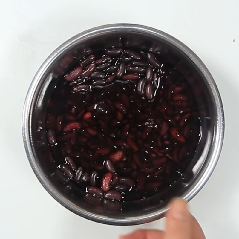 Bước 1 Vo sạch và ngâm đậu đỏ Sữa chua đậu đỏ