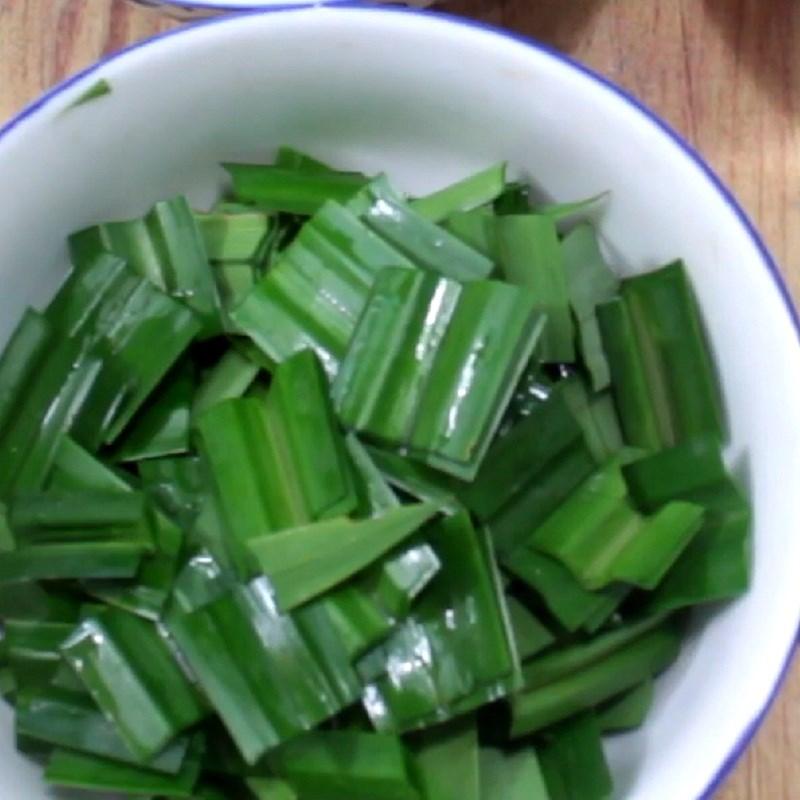 Bước 2 Xay lá dứa và trộn bột rau câu Rau câu đậu nành lá dứa