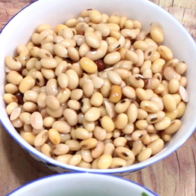 Bước 1 Xay và vắt sữa đậu nành Rau câu đậu nành lá dứa