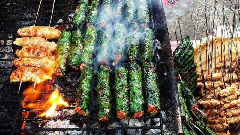 Thịt trâu cuốn lá lốt nướng