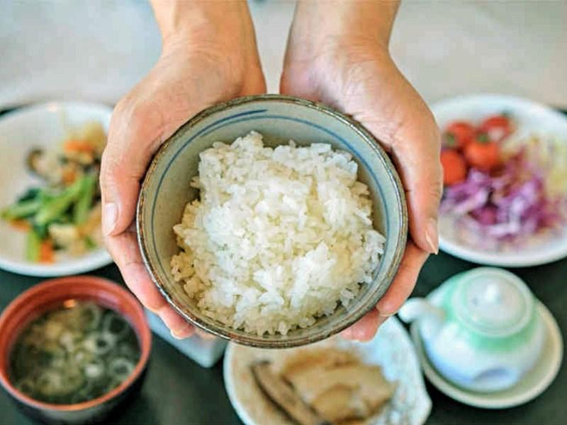 Ăn cơm có mập không?