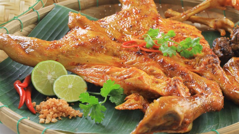 Gà nướng bản Đôn đặc sản Daklak