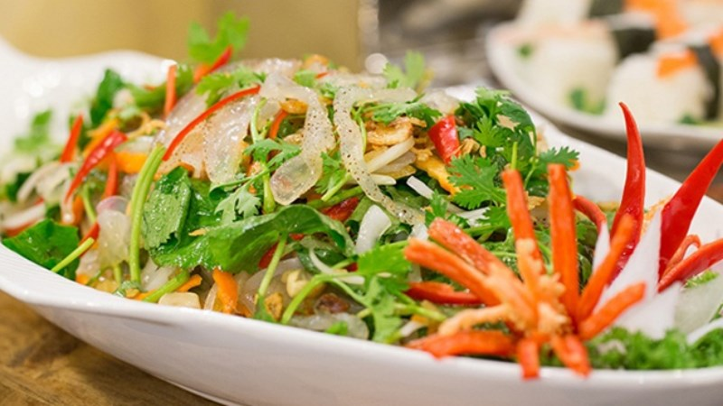 Gỏi bắp chuối trộn sứa